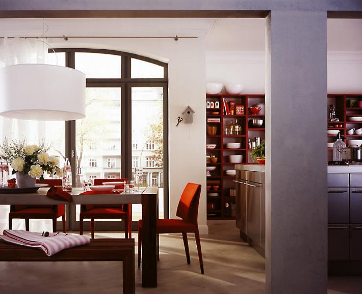 Дизайн кухни совмещенной с гостиной в загородном доме